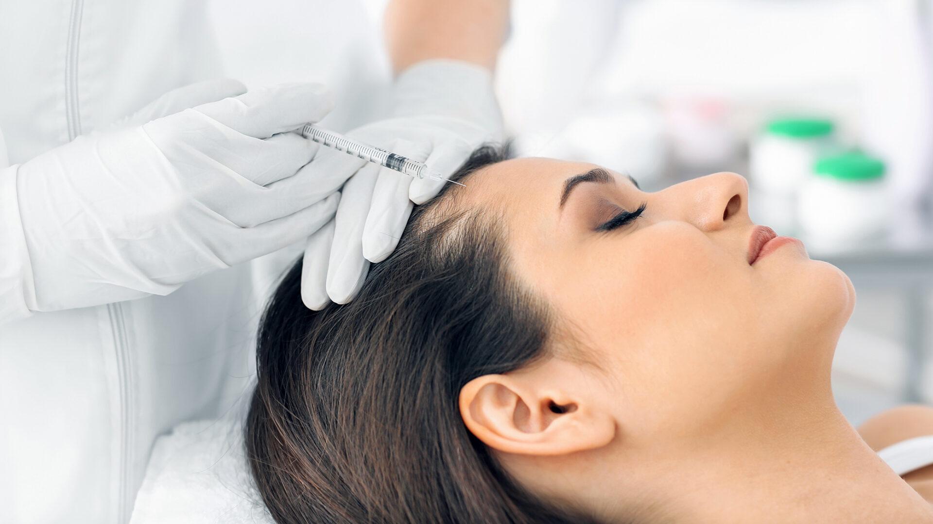 Unterspritzung im Gesicht mit Muskelrelaxan.