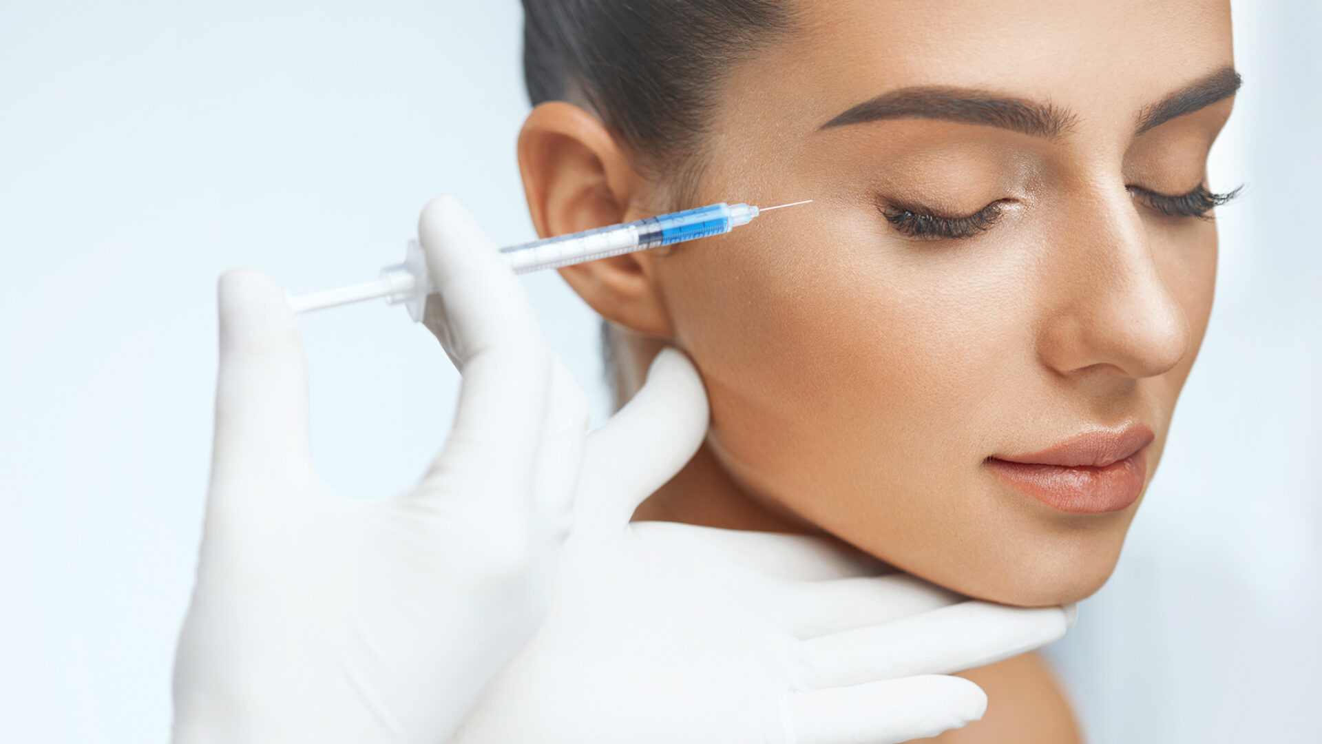 Unterspritzung im Gesicht mit Hyaluronsäure.